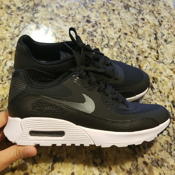 Nike Air Max 90 Ultra 2.0 Flyknit Wm's Shoe's 9.5 NWT